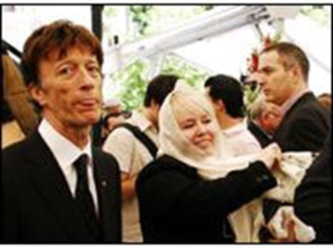 Mardin'in cenazesinde bir Bee Gees
